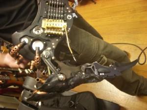 楽器から武器へ変形。