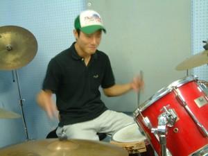 ドラム担当の平岩くん