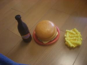 ポテトの皿ないやん!!ハンバーグも消えとるやんっ!!